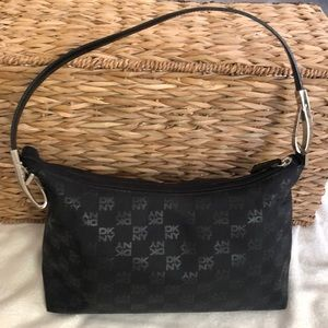 • DKNY Detachable Shoulder Bag •